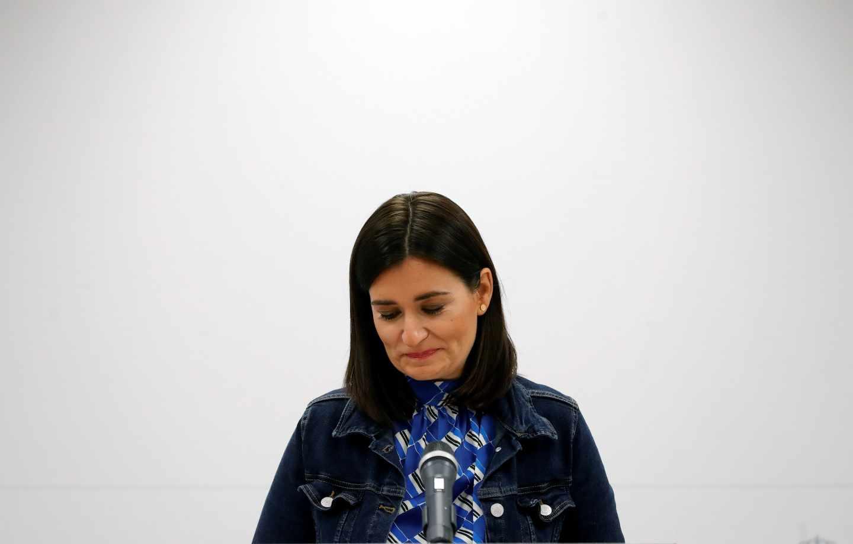 """La ministra de Sanidad, Carmen Montón, en rueda de prensa ofrecida hoy en la sede del Ministerio en la que ha informado sobre su dimisión tras difundirse presuntas irregularidades en la realización de un máster que cursó en la Universidad Rey Juan Carlos (URJC). Montón, ha aseverado hoy que ha sido """"transparente y honesta"""", que no cometió ninguna irregularidad al cursar el máster y que presenta su dimisión para que su situación no influya al Gobierno de Pedro Sánchez."""