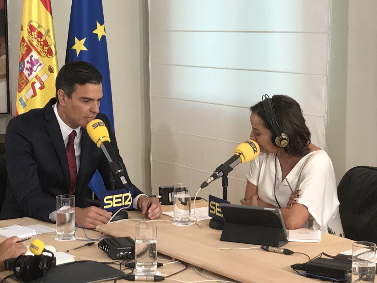 Pedro Sánchez y Pepa Bueno, en la entrevista de la Cadena Ser.