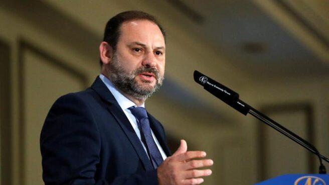 El ministro de Fomento, José Luis Ábalos, durante su intervención en un desayuno informativo de la tribuna Foro de la Nueva Economía.