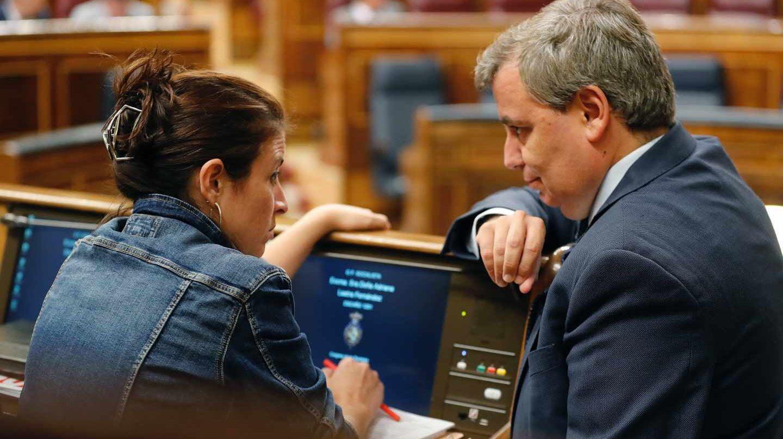 Adriana Lastra (PSOE) y Jordi Xuclá (PDeCat), en el Congreso de los Diputados.