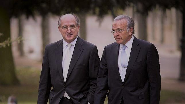 El presidente de Repsol, Antonio Brufau, y el de Criteria Caixa, Isidro Fainé.