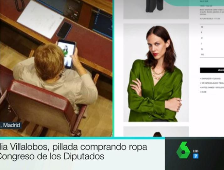 Celia Villalobos, pillada ojeando ropa en su tablet por las cámaras de La Sexta.
