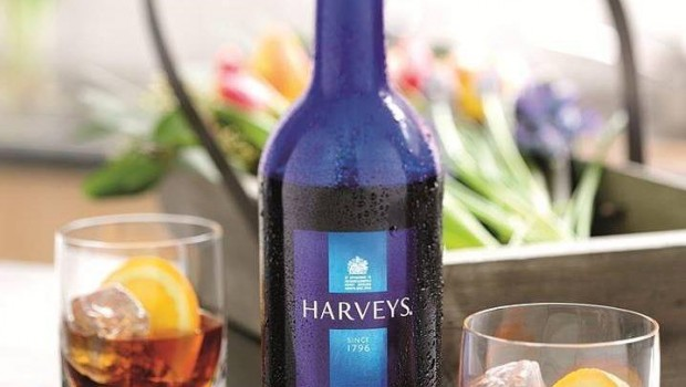 Botella de vino de la marca Harveys.