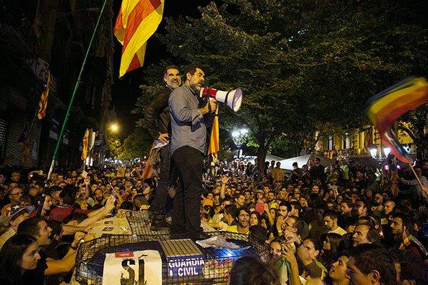 Un año de la rebelión y el asalto al poder en Cataluña