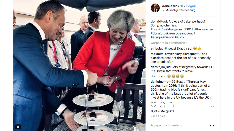 Theresa May y Donald Tusk, en Salzburgo.