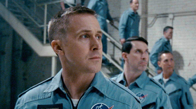 Ryan Gosling como Amstrong.