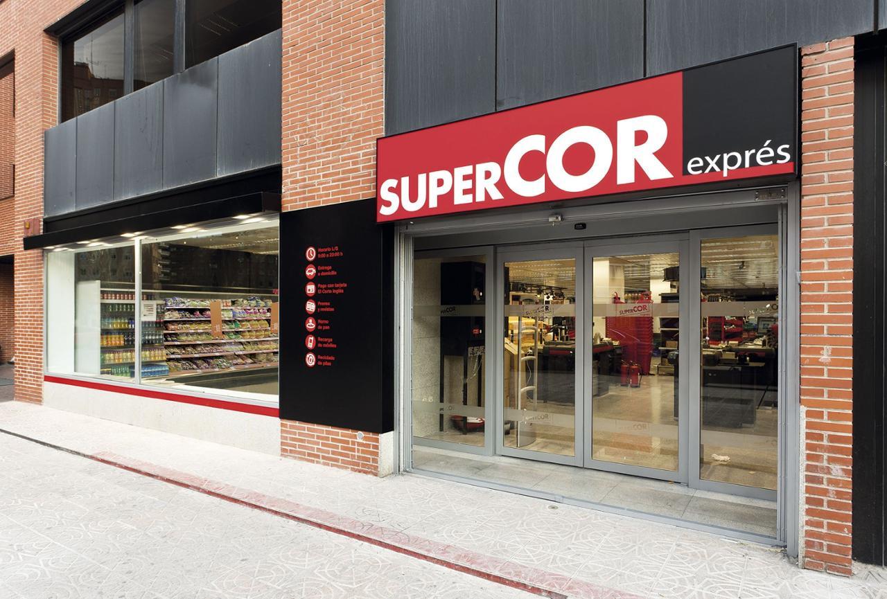 El Corte Inglés permitirá a sus clientes obtener efectivo en sus supermercados.
