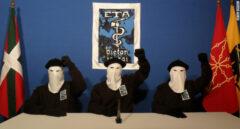 Los tres terroristas que anunciaron el fin de la violencia de ETA, en octubre de 2011.