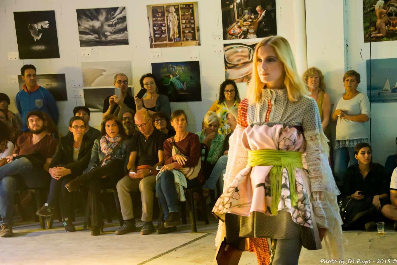 Uno de los modelos que desfilaron en la última edición de la pasarela Postindustrial Fashion Show de Barcelona