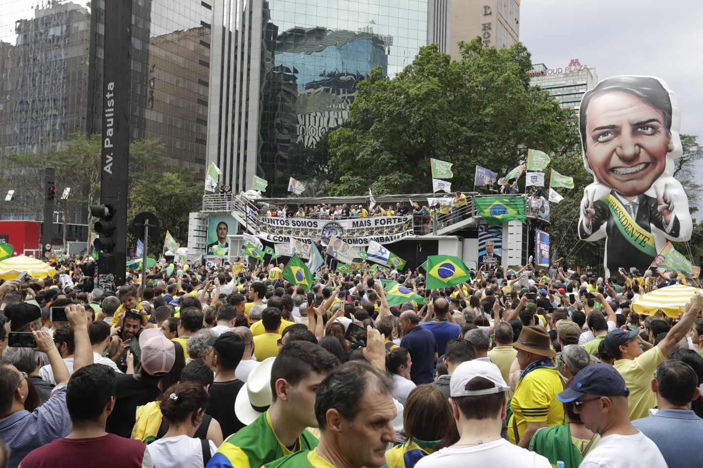 Por quién votan las empresas españolas en Brasil.