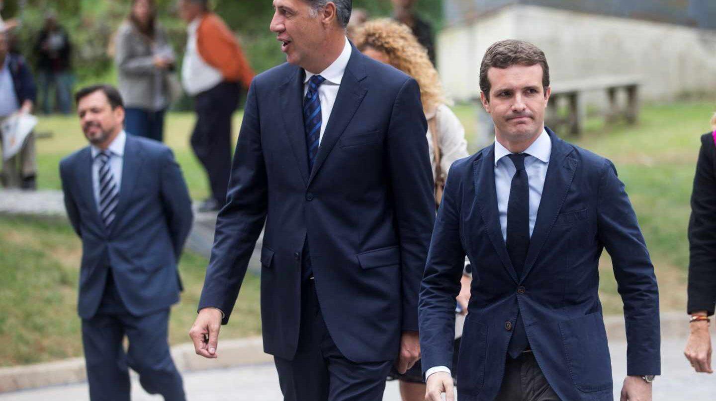 García Albiol y Casado llegan al funeral de Caballé en Barcelona.