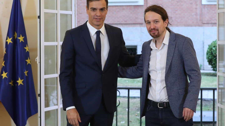 Pedro Sánchez y Pablo Iglesias, tras firmar el Acuerdo de Presupuestos.
