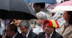 Guillermo Fernández Vara, durante el desfile del Día de la Hispanidad.