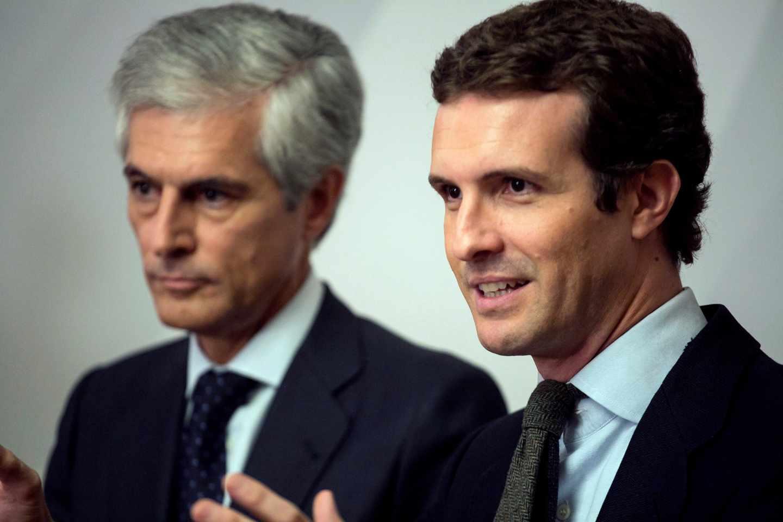 El presidente del Partido Popular, Pablo Casado junto a Suárez Illana