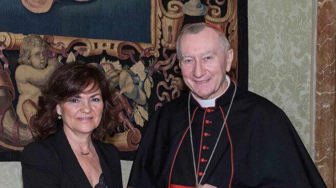 La vicepresidenta del Gobierno, Carmen Calvo, con el secretario del Vaticano, Pietro Parolin.