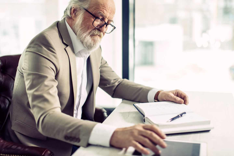 España permite jubilarse y trabajar a la vez como autónomo. Estas son las reglas - El Independiente