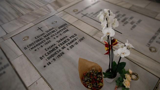 Lápida de Franco en el Valle de los Caídos.