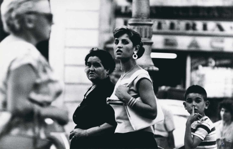 'Madre e hija. La Rambla 1957', de Leopoldo Pomés