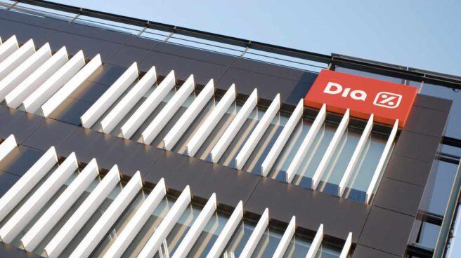 El Grupo Dia evalúa el deterioro de sus activos tras sufrir un recorte del negocio del 33%.