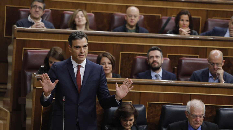 El presidente del Gobierno, Pedro Sánchez, durante la sesión de control en el Congreso.
