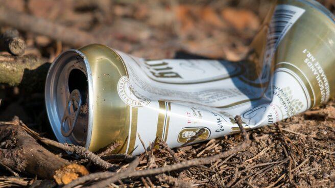 Lata de cerveza abandonada
