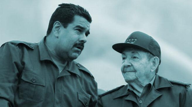 El presidente del Gobierno cubano, Raúl Castro, junto al presidente de Venezuela, Nicolás Maduro.