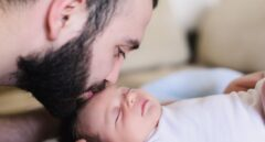 El Supremo avala suspender días de paternidad en los convenios al aplicarse las 16 semanas