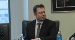 Tesla se dispara más de un 15% en bolsa tras la salida de Elon Musk de la presidencia