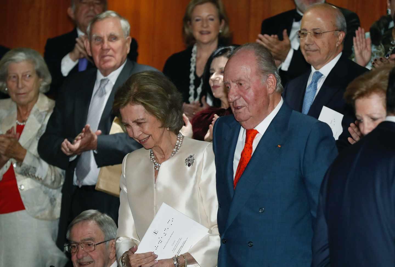 La última imagen de Don Juan Carlos, el pasado viernes, durante un concierto con motivo del 80 cumpleaños de Doña Sofía