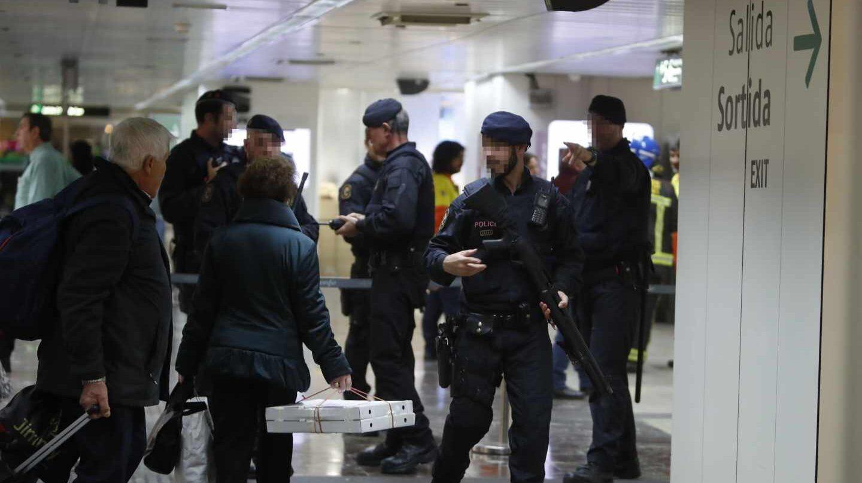 Desalojados dos trenes en Barcelona ante la posible presencia de explosivos