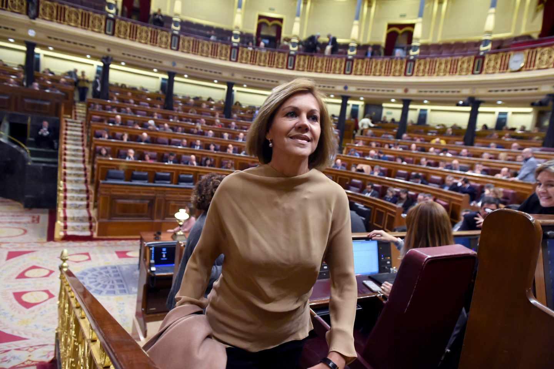 El PP da por amortizado a Fernández Díaz pero confía en salvar a Cospedal