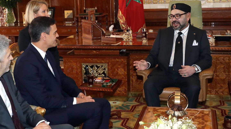 Pedro Sánchez y el Rey de Marruecos, Mohamed VI, en Rabat. EFE