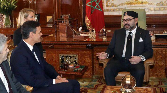 Pedro Sánchez y el Rey de Marruecos, Mohamed VI, en Rabat.