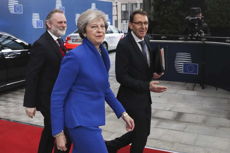 Theresa May, a su llegada a la cumbre que ha aprobado el Brexit.