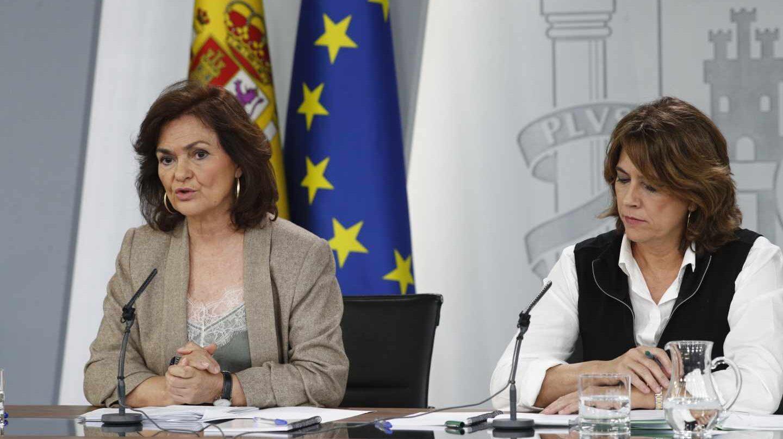 Carmen Calvo y Dolores Delgado, en una comparecencia posterior a la reunión semanal del Consejo de MInistros.