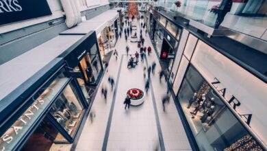 Las eléctricas entran a los centros comerciales para cazar clientes