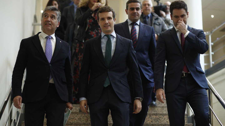 Cosidó, Casado y García Egea, a su llegada al Senado.