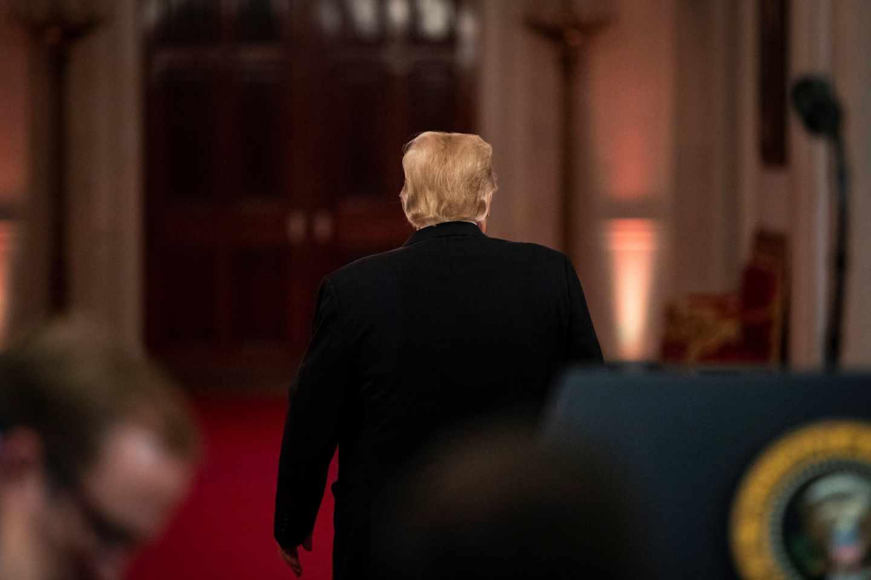 El presidente de EEUU, Donald Trump, tras finalizar una rueda de prensa postelectoral en la Casa Blanca.
