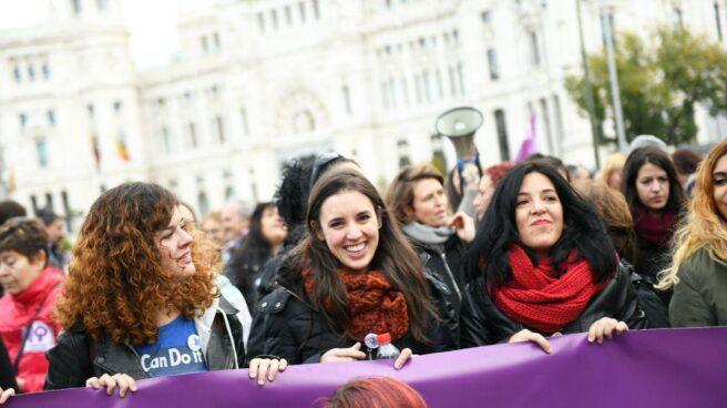 La portavoz de Podemos, Irene Montero, en la manifestación del Día contra la Violencia de Género.