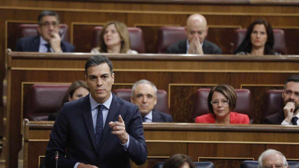 El presidente del Gobierno, Pedro Sánchez, durante su intervención en la sesión de control en el Congreso.