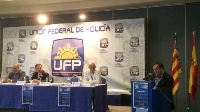 Víctor Duque, interviniendo en un acto de la Unión Federal de Policía (UFP).