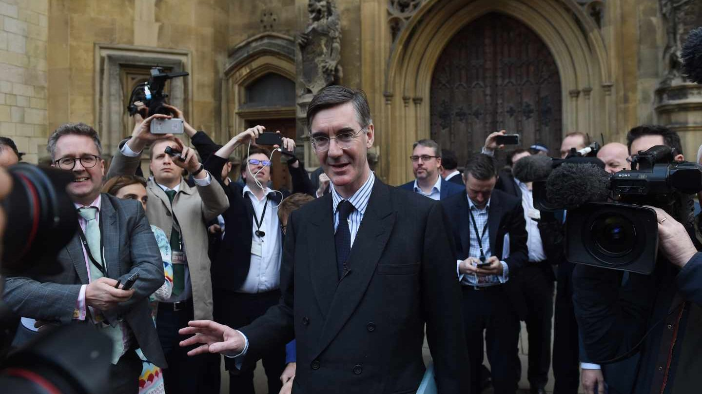 El diputado tory Jacob Rees-Mogg, primer firmante de la carta para destituir a May.