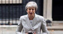 """La primera ministra británica, Theresa May, se dirige los medios en el 10 de Downing Street, en Londres (R. Unido), hoy, 22 de noviembre de 2018. May dijo hoy que la declaración del """"brexit"""" alcanzada con la Comisión Europea es la """"adecuada"""" para el Reino Unido, al cumplir con la voluntad expresada por los votantes en el referéndum de 2016"""