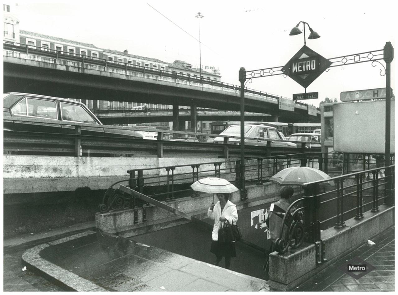 Estación de Metro Atocha, al pie del scalextric en 1980