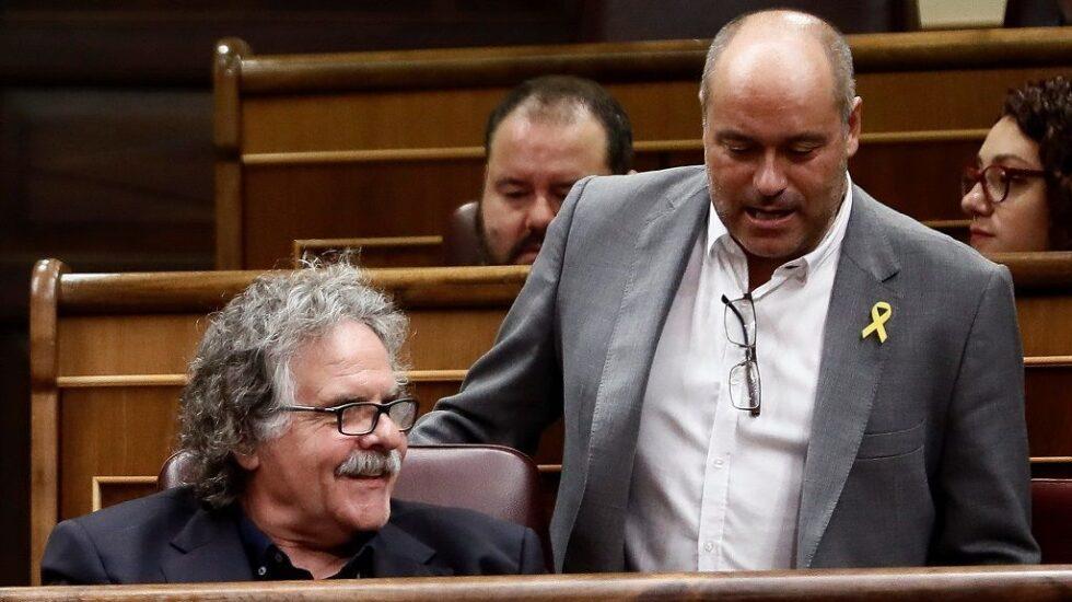 Fotografía de archivo de los diputados de ERC Jordi Salvador i Duch (d) y Joan Tardá (i).
