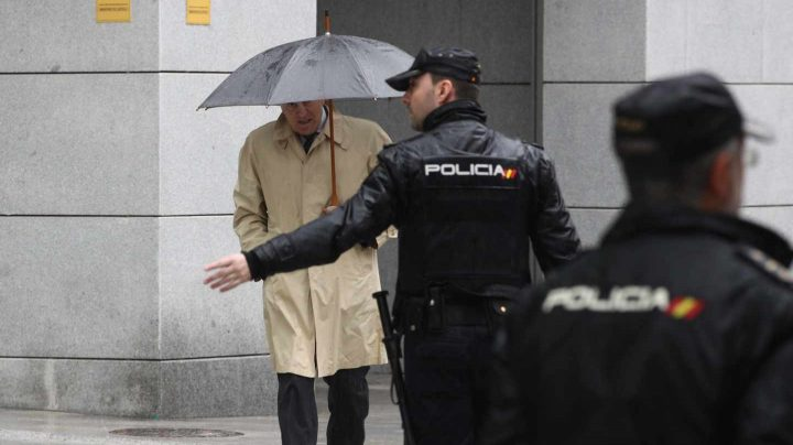 El ex tesorero del PP Luis Bárcenas, saliendo de la Audiencia Nacional.
