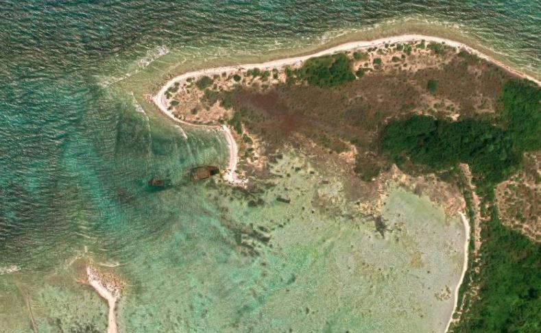 El casco abandonado del MV Primrose sigue siendo fuente de hierro para los aislados habitantes de la Isla Sentinel del Norte.