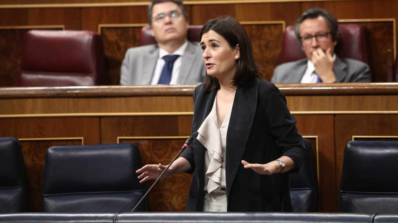 Carmen Montón, durante una intervención en el Congreso de los Diputados durante su etapa como ministra de Sanidad.