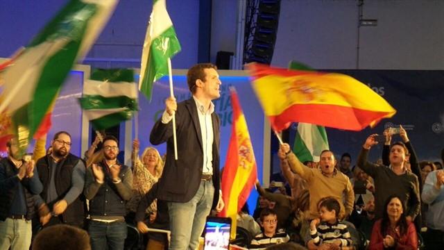 Pablo Casado en un mitin en Algeciras.