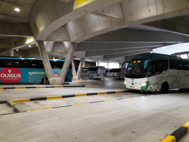Autobuses estacionados en la estación de San Sebastián.
